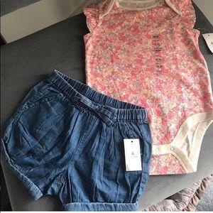 Baby Gap bodysuit & bubble denim Jean Shorts 18-24